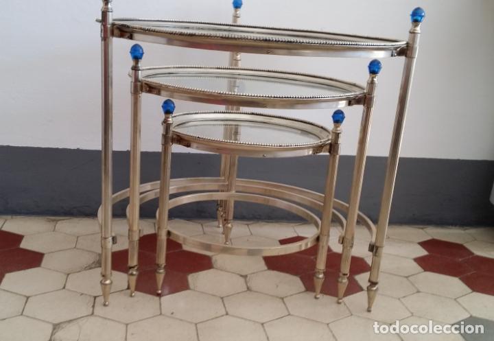 Antigüedades: Tres (3) antiguas mesas / mesitas nido - Foto 3 - 141724526