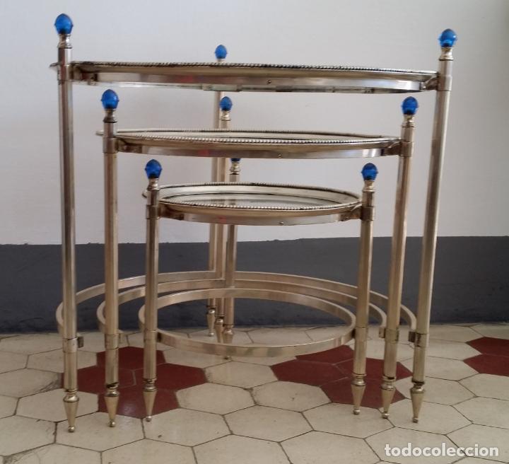 Antigüedades: Tres (3) antiguas mesas / mesitas nido - Foto 4 - 141724526