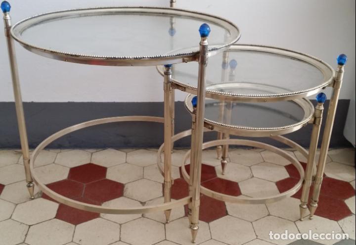 Antigüedades: Tres (3) antiguas mesas / mesitas nido - Foto 10 - 141724526