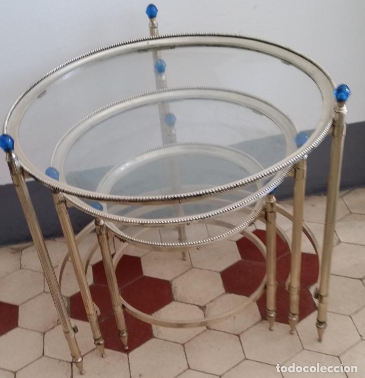 Antigüedades: Tres (3) antiguas mesas / mesitas nido - Foto 13 - 141724526