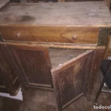 Antigüedades: PEQUEÑA COMODA RESTAURAR. Lote 141732922