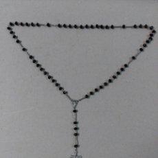 Antigüedades: ROSARIO DE METAL Y CUENTAS DE CRISTAL NEGRAS. Lote 141775766