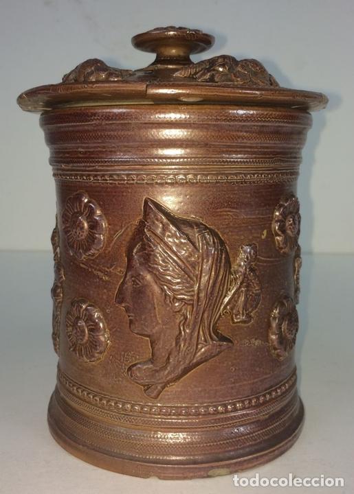 Antigüedades: FRASCO CON TAPA. CERÁMICA DE REFLEJOS METÁLICOS. ESTILO ROMANO. MANISES. ESPAÑA. XIX-XX - Foto 4 - 141787502