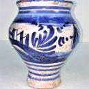 Antigüedades: PEQUEÑO JARRÓN. CERÁMICA ESMALTADA EN AZUL. MANISES. ESPAÑA. XIX-XX. Lote 141801042