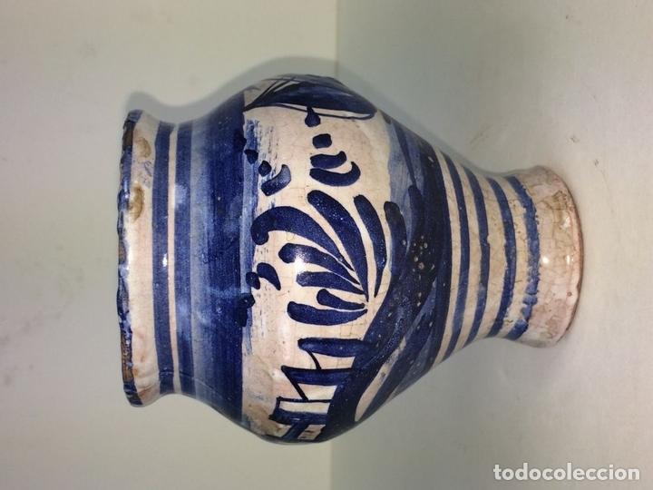 Antigüedades: PEQUEÑO JARRÓN. CERÁMICA ESMALTADA EN AZUL. MANISES. ESPAÑA. XIX-XX - Foto 2 - 141801042