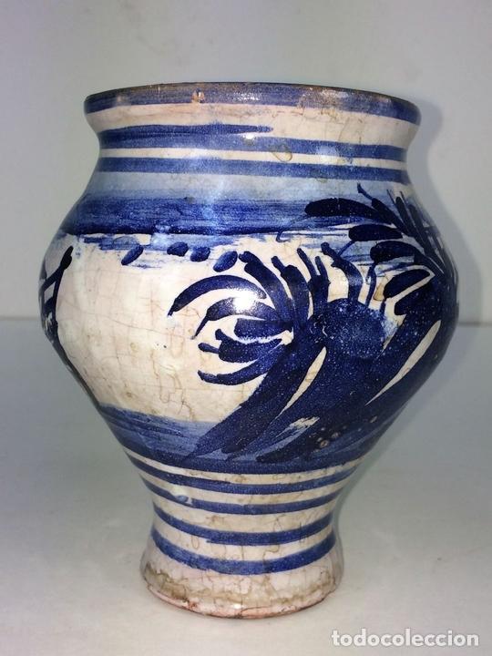 Antigüedades: PEQUEÑO JARRÓN. CERÁMICA ESMALTADA EN AZUL. MANISES. ESPAÑA. XIX-XX - Foto 4 - 141801042