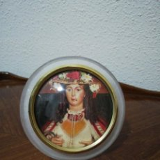 Antigüedades: PORTAFOTOS CON FOTO DE VIRGEN DIVINA PASTORA. Lote 141807670