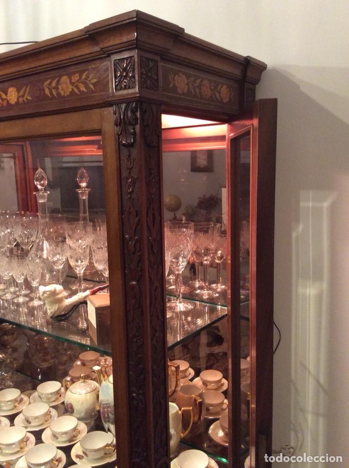 Antigüedades: Mueble Vitrina expositor con luz - Foto 4 - 141933730