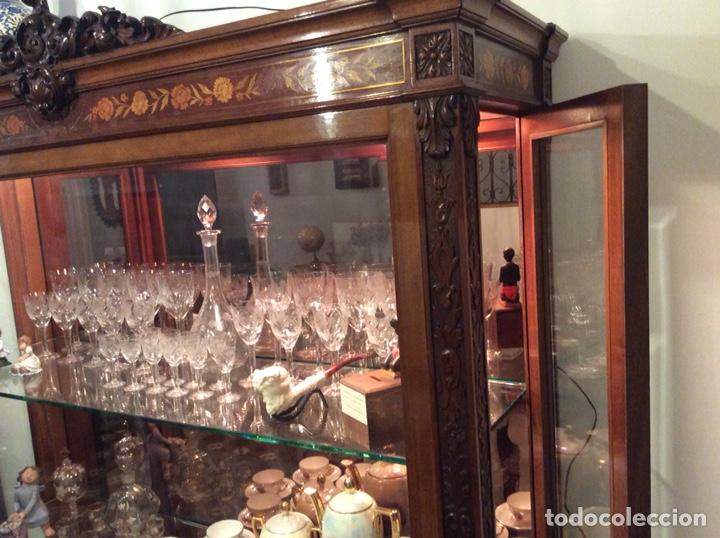 Antigüedades: Mueble Vitrina expositor con luz - Foto 7 - 141933730