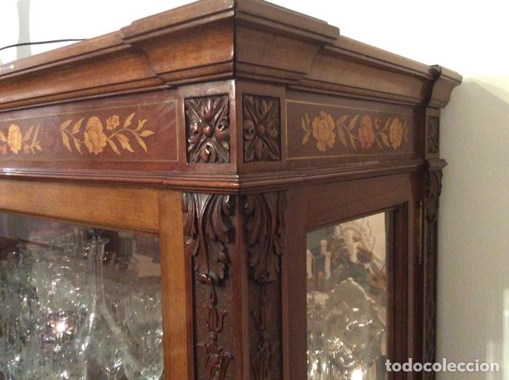 Antigüedades: Mueble Vitrina expositor con luz - Foto 9 - 141933730