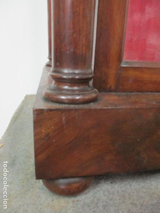 Antigüedades: Bonita Capilla, Vitrina Isabelina - para Virgen, Santo - Madera de Caoba - S. XIX - Foto 3 - 150332054