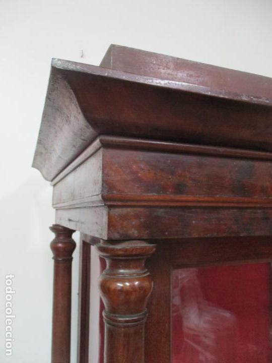 Antigüedades: Bonita Capilla, Vitrina Isabelina - para Virgen, Santo - Madera de Caoba - S. XIX - Foto 6 - 150332054