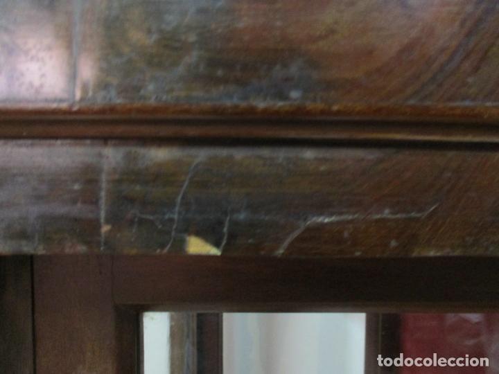 Antigüedades: Bonita Capilla, Vitrina Isabelina - para Virgen, Santo - Madera de Caoba - S. XIX - Foto 15 - 150332054