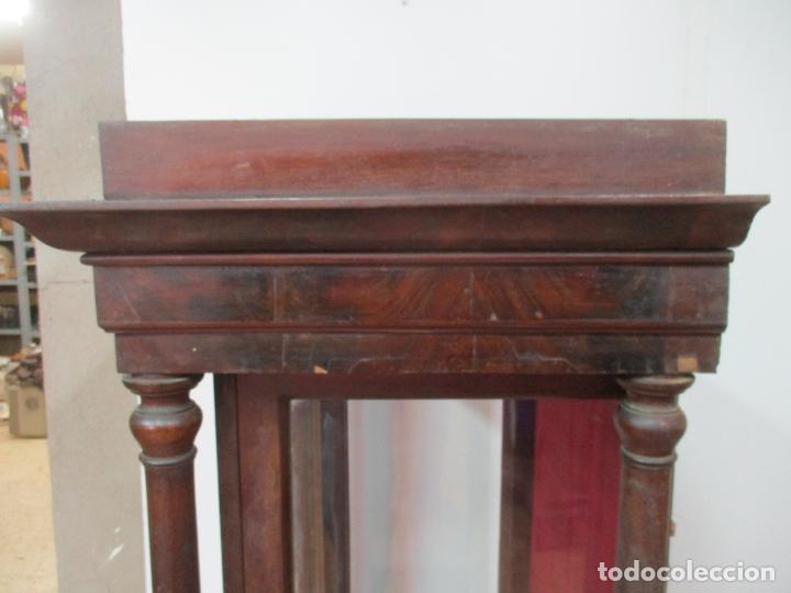 Antigüedades: Bonita Capilla, Vitrina Isabelina - para Virgen, Santo - Madera de Caoba - S. XIX - Foto 16 - 150332054