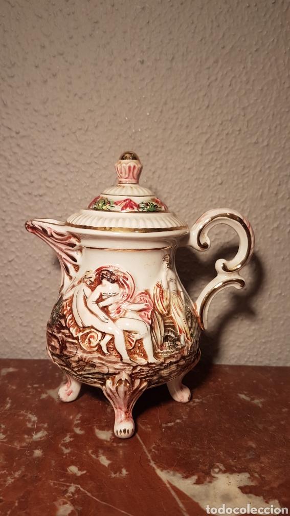 JARRA TETERA DE PORCELANA ITALIANA CAPODIMONTE AÑOS 60/70 (Antigüedades - Porcelanas y Cerámicas - Otras)