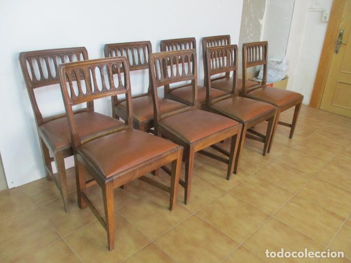 8 Sillas de Comedor - Silla Madera Sapeli - Fina Talla de madera -  Tapicería en Piel - Años 40