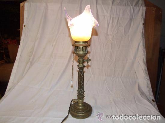 LAMPARA MODERNISTA EN BRONCE DE SOBREMESA (Antigüedades - Iluminación - Lámparas Antiguas)