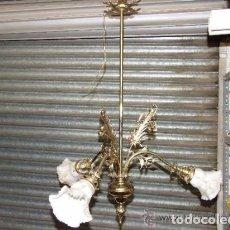 Antigüedades: LAMPARA DE BRONCE DE 3 LUCES RESTAURADA Y ELECTRIFICADA DE NUEVO. Lote 142037506