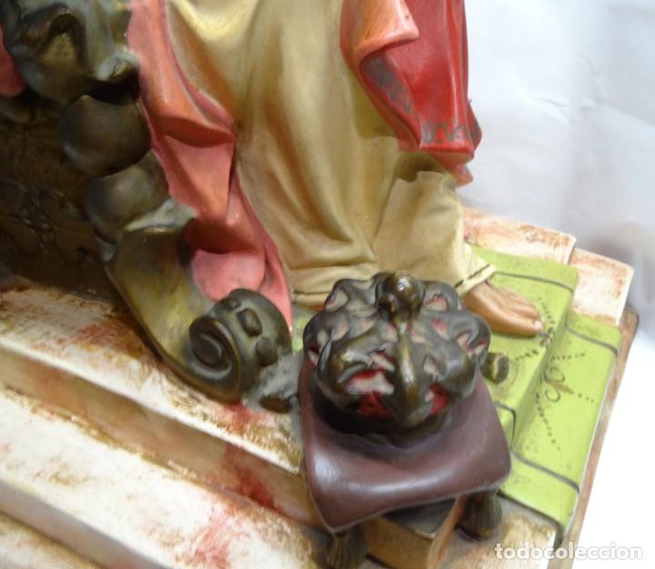 Antigüedades: Sagrado corazón entronizado. Estuco. - Foto 4 - 142047562