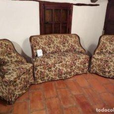 Antigüedades: TRESILLO. SOFA + SILLONES. Lote 142093950