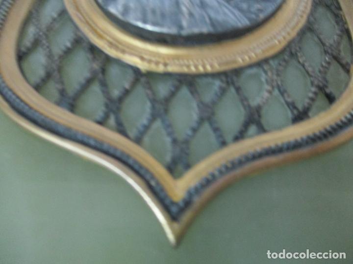 Antigüedades: Benditera, Pila Modernista - Santa Rosa Mística - Oniz, Plata, Latón y Cristal - Principios S. XX - Foto 3 - 142123562