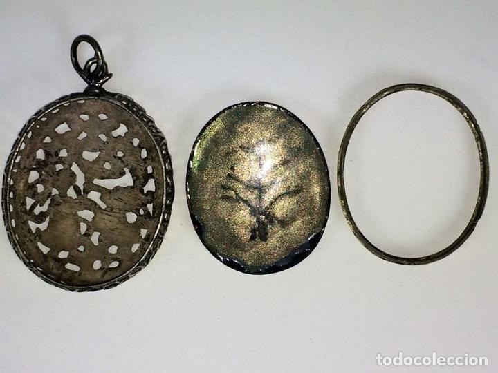 Antigüedades: RELICARIO-MEDALLÓN. IMAGEN DE LA VIRGEN DE MONTSERRAT. PLATA. ESMALTE. ESPAÑA. XVIII-XIX - Foto 7 - 142156254
