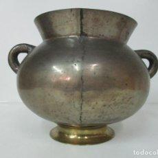 Antigüedades: GRAN OLLA ANTIGUA - CON SALVAMANTELES - BRONCE - PATINA ORIGINAL - S. XVIII. Lote 142181238