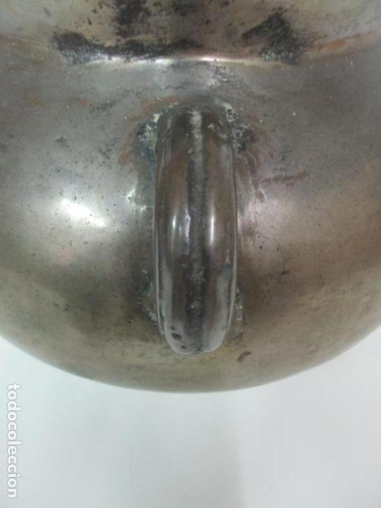 Antigüedades: Gran Olla Antigua - con Salvamanteles - Bronce - Patina Original - S. XVIII - Foto 9 - 142181238