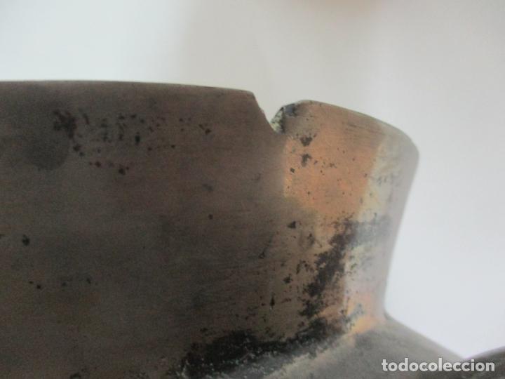 Antigüedades: Gran Olla Antigua - con Salvamanteles - Bronce - Patina Original - S. XVIII - Foto 19 - 142181238