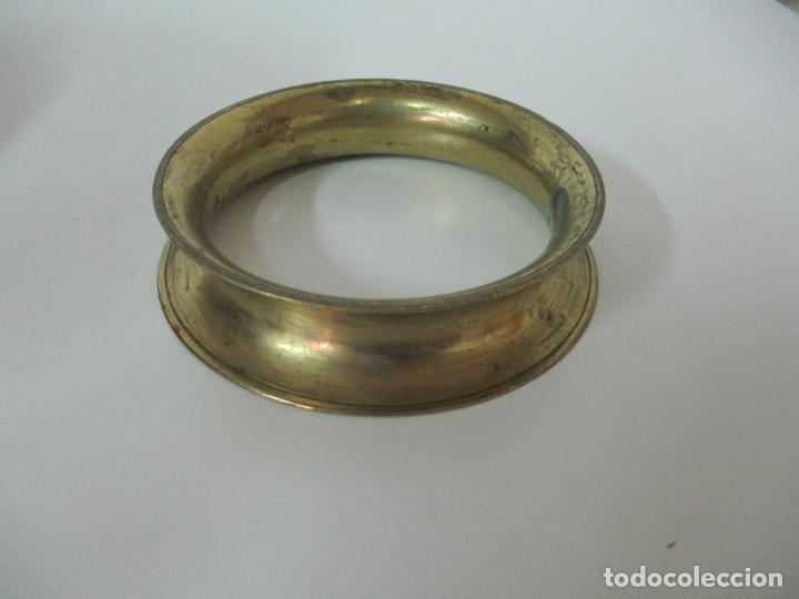 Antigüedades: Gran Olla Antigua - con Salvamanteles - Bronce - Patina Original - S. XVIII - Foto 24 - 142181238