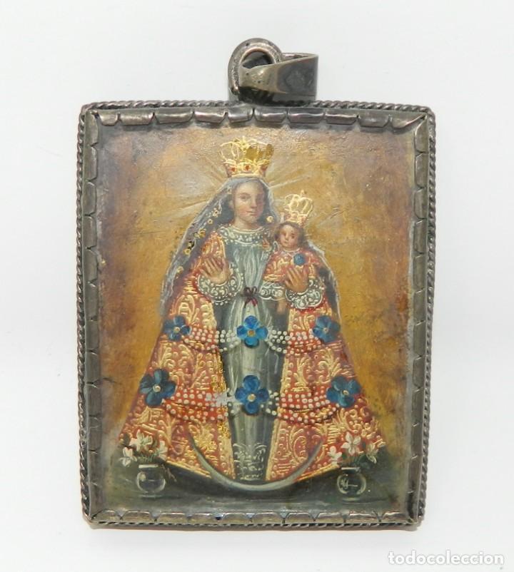 Antigüedades: Antiguo Relicario Lámina Cobre Arcángel Virgen Ampona Marco Plata - Foto 4 - 142213546