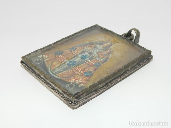 Antigüedades: Antiguo Relicario Lámina Cobre Arcángel Virgen Ampona Marco Plata - Foto 6 - 142213546