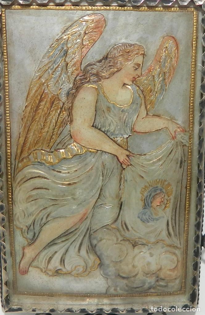 Antigüedades: Antiguo Relicario Madreperla Virgen María y Arcángel Marco Plata - Foto 5 - 142213666