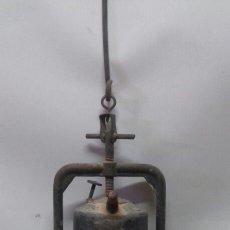 Antigüedades: ANTIGUO CARBURERO MARCA FISMA, COMPLETO. LINTERNA DE MINERO. Lote 142248188