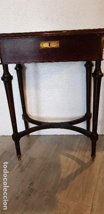 Antigüedades: COSTURERO CON DETALLES EN BRONCE Y MARQUETERIA - Foto 2 - 142264034