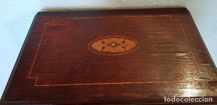 Antigüedades: COSTURERO CON DETALLES EN BRONCE Y MARQUETERIA - Foto 4 - 142264034