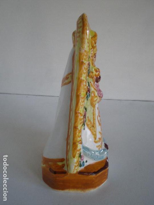 Antigüedades: VIRGEN DEL ROCIO CERAMICA DE TRIANA // POLICROMADA Y VIDRIADA ALFARERIA ARTESANAL SEVILLA NTRA. SRA - Foto 4 - 142266578