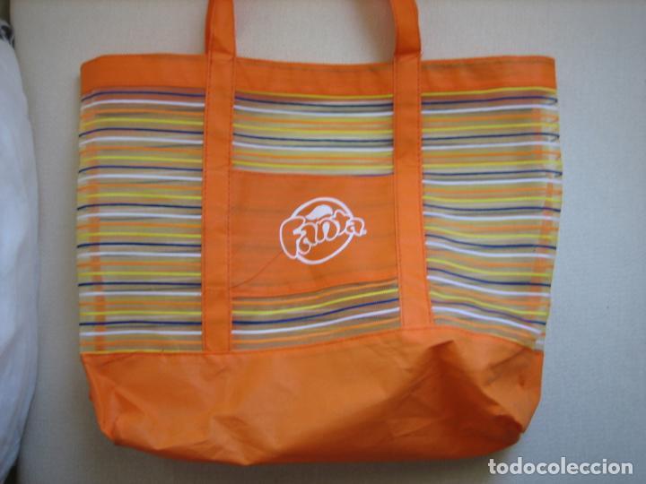 Antigüedades: Bolso playero con publicidad Fanta de Naranja - Foto 2 - 142274722