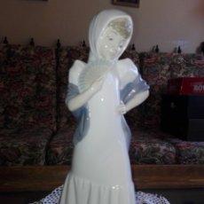 Antigüedades - Figura de porcelana Nao. - 142325418
