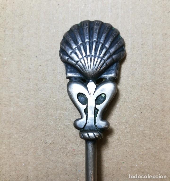 Antigüedades: RARA Y ANTIGUA CUCHARILLA DE INCENSARIO. PLATA. SANTIAGO.SIGLO XIX. MONEDA ISABEL II 1862 - Foto 3 - 142367866