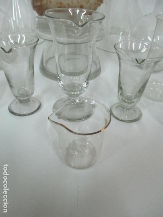 Antigüedades: Completo Lote de Frascos, Embudos, Probetas, Etc - Cristal Antiguo Farmacia, Laboratorio - Foto 3 - 142373450