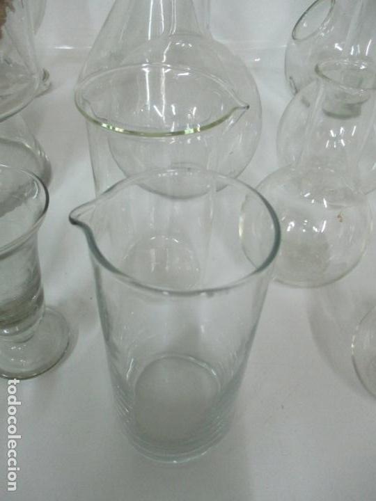 Antigüedades: Completo Lote de Frascos, Embudos, Probetas, Etc - Cristal Antiguo Farmacia, Laboratorio - Foto 5 - 142373450
