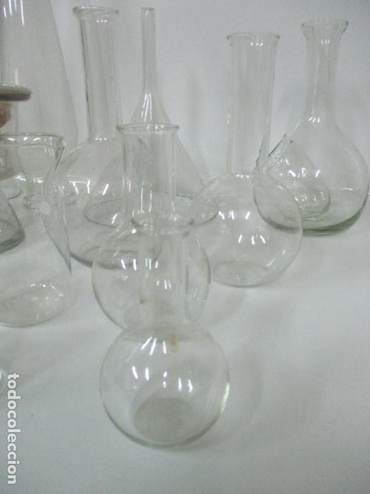 Antigüedades: Completo Lote de Frascos, Embudos, Probetas, Etc - Cristal Antiguo Farmacia, Laboratorio - Foto 6 - 142373450
