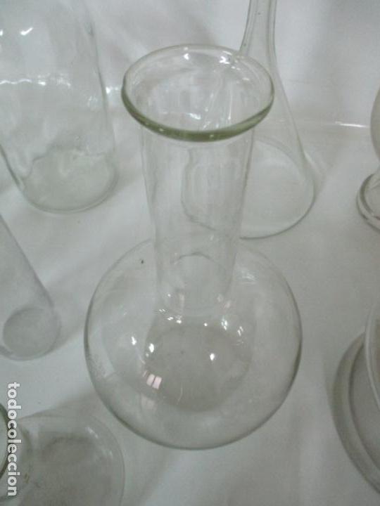 Antigüedades: Completo Lote de Frascos, Embudos, Probetas, Etc - Cristal Antiguo Farmacia, Laboratorio - Foto 12 - 142373450