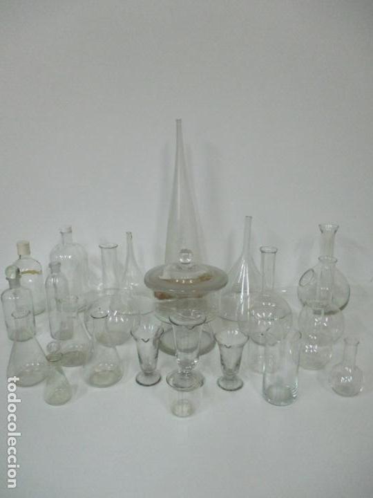Antigüedades: Completo Lote de Frascos, Embudos, Probetas, Etc - Cristal Antiguo Farmacia, Laboratorio - Foto 19 - 142373450