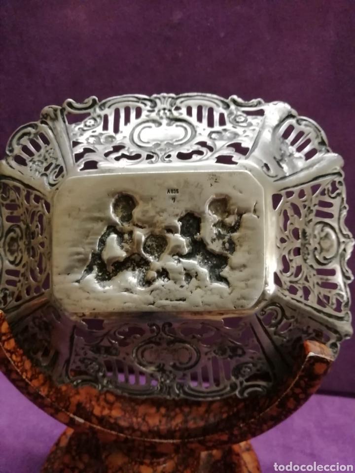 Antigüedades: BANDEJA REPUJADA - Foto 2 - 142400921