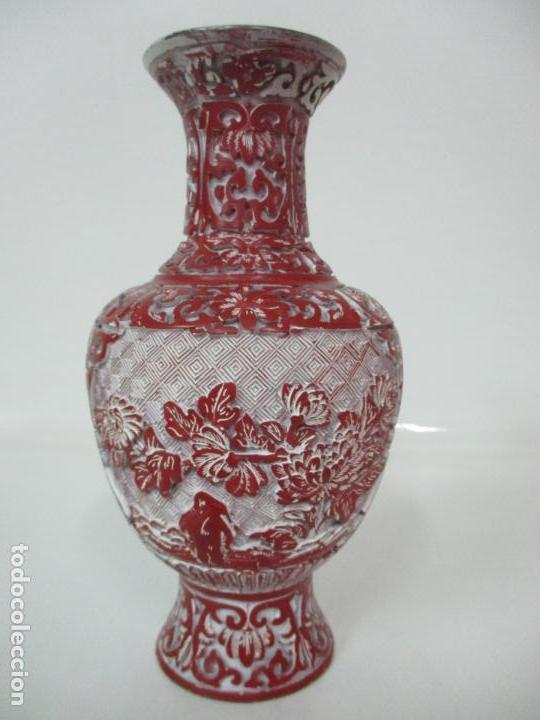 JARRÓN CHINO - ORIENTAL - CHINA - LACA ROJA DE CINABRIO - INTERIOR AZUL (Antigüedades - Hogar y Decoración - Jarrones Antiguos)