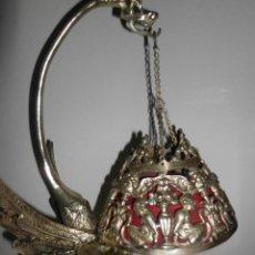 Antigüedades: FANTÁSTICA LÁMPARA BRONCE CON FIGURA DE DRAGÓN ALADO. Lote 142430842