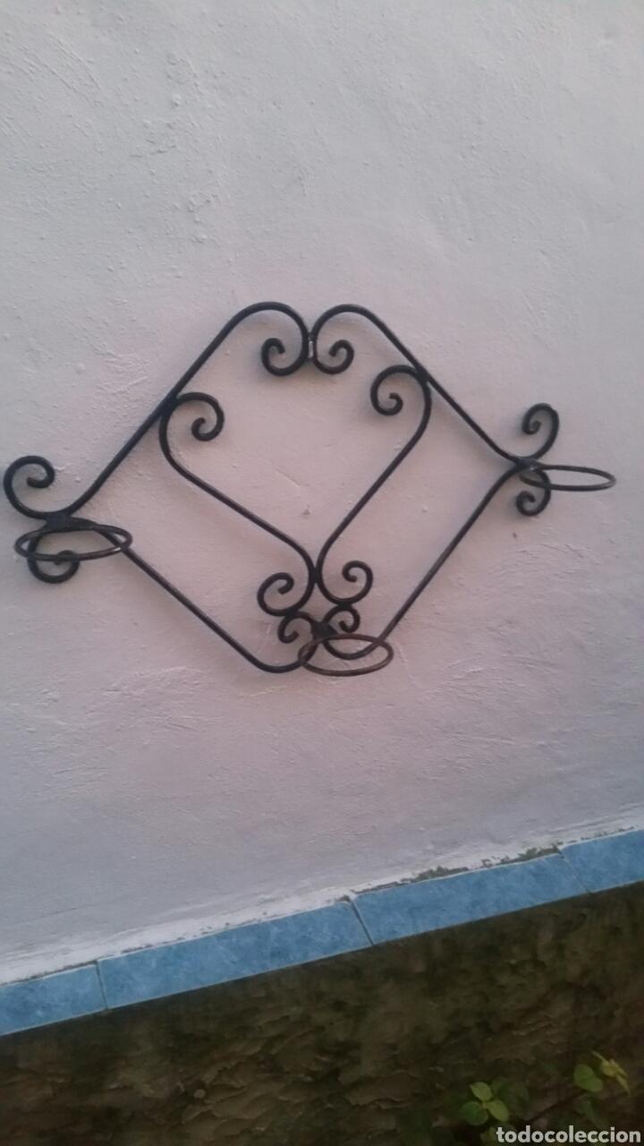 LOTE DE JARDINERAS ANTIGUAS HIERRO (Antigüedades - Hogar y Decoración - Jardineras Antiguas)