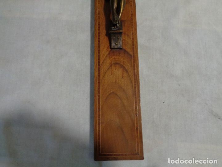 Antigüedades: Crucifijo con cruz madera nogal y bronce - Foto 3 - 142517158